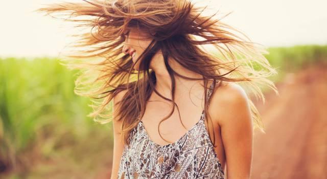 Protezione dei capelli dal sole: consigli e i prodotti per mantenerli belli e sani
