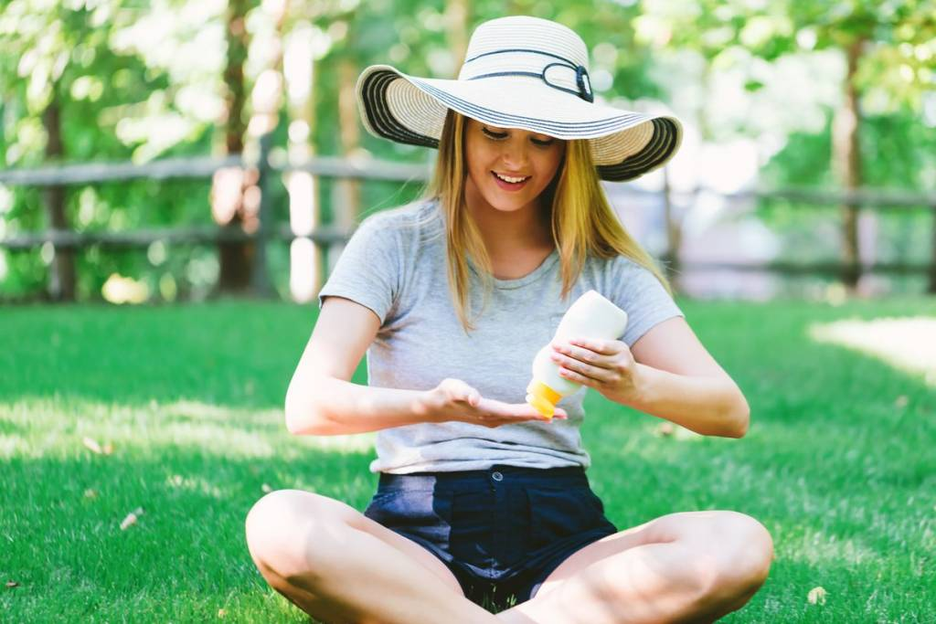 Mettersi la crema solare