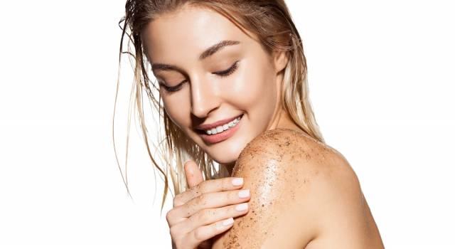 Scrub corpo fai da te: 5 ricette naturali per farlo in casa