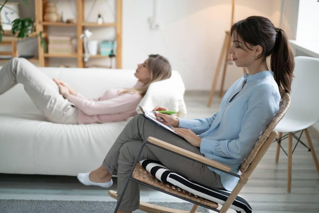 Seduta con psicoterapeuta