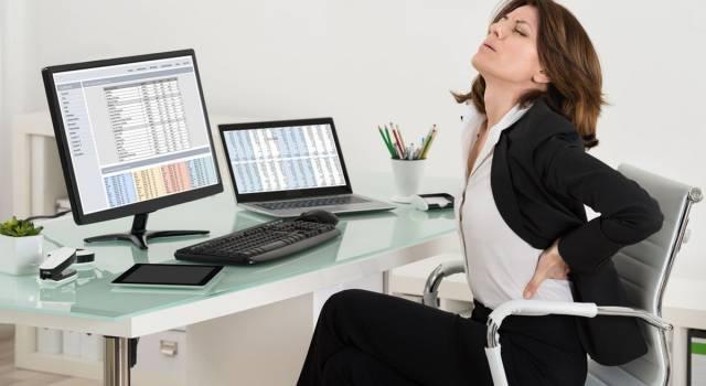 Stop al mal di schiena in ufficio: ecco come fare!