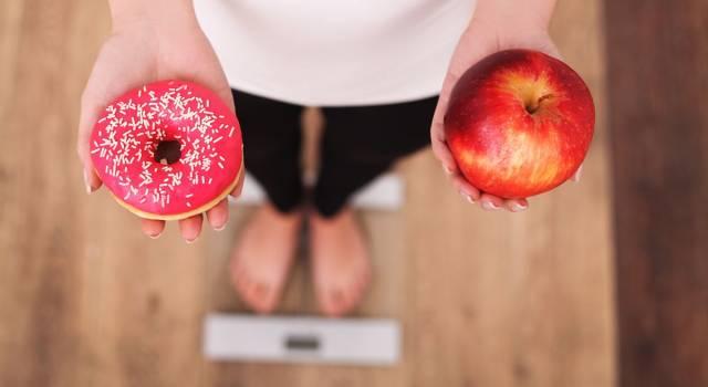 10 abitudini che fanno ingrassare (da abbandonare subito!)