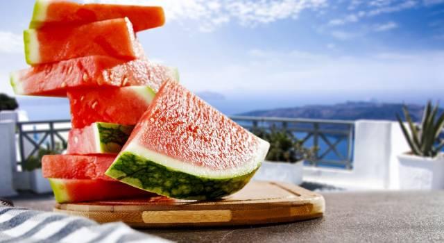 La dieta dell'anguria è perfetta per l'estate e si dimagrisce anche fino a 5 kg!