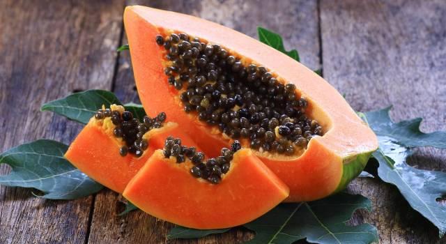I semi di papaya sono commestibili? Sì, e fanno anche molto bene!