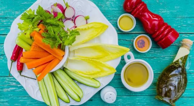 Per uno spuntino nutriente, salutare e dietetico scegliamo il pinzimonio!