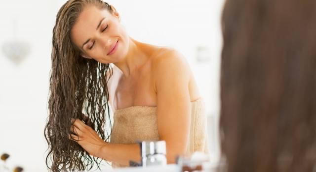 Shampoo secco fai da te: come avere i capelli perfetti in poco tempo