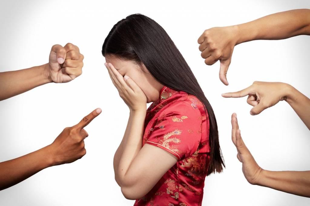 razzismo donna cinese