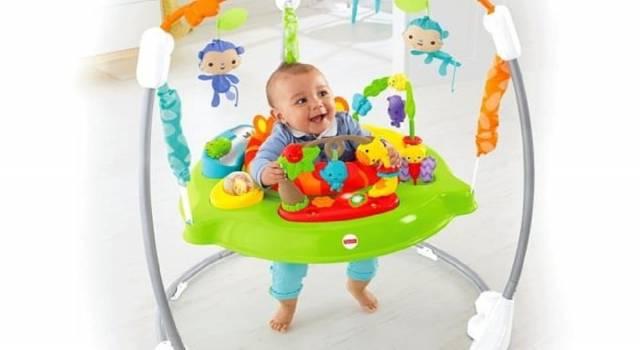 Crescere attraverso il gioco: il fondamentale percorso di apprendimento del bambino nei suoi primi mesi di vita