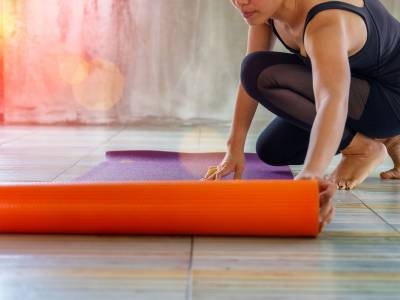 Yoga a casa: i consigli utili per iniziare a praticarlo