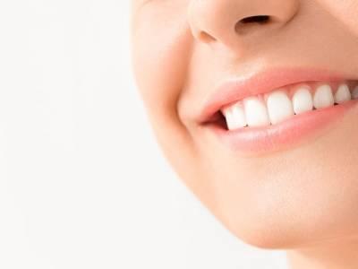 Dal dentista per salute, ma anche per estetica dentale: di che interventi parliamo?