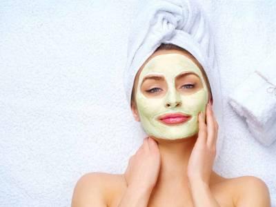 Maschera viso fai da te: scopri come realizzare quella adatta alle tue esigenze