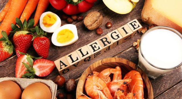 Allergie alimentari: cosa sono, come si manifestano e come tutelarsi