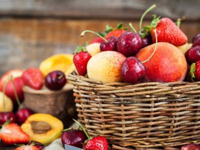 Frutta di stagione di maggio: quale scegliere per mangiare in modo sano e naturale