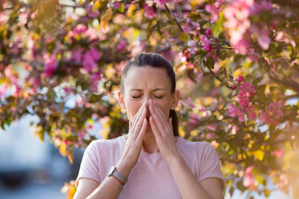 ragazza con allergia
