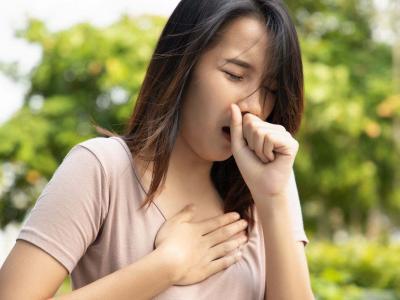 Esofagite da reflusso: quali sono i sintomi e come si cura
