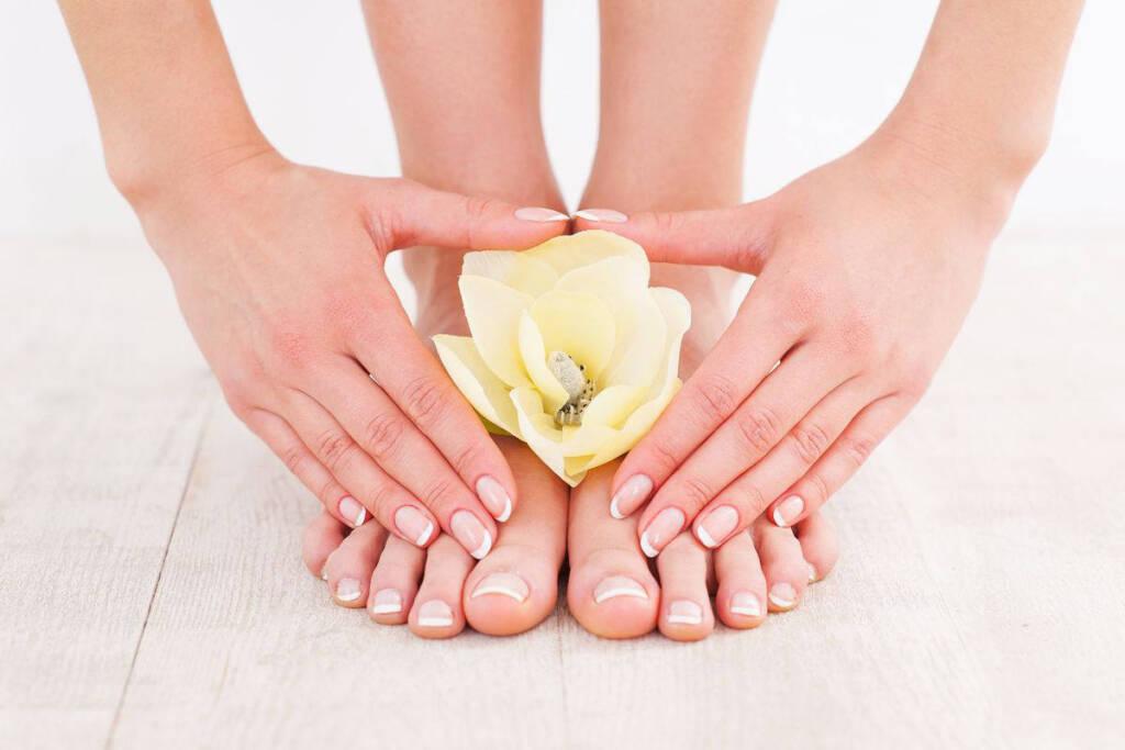 unghie mani e piedi
