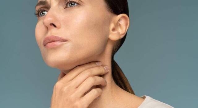 Placche in gola: cosa sono, come riconoscerle e come curarle